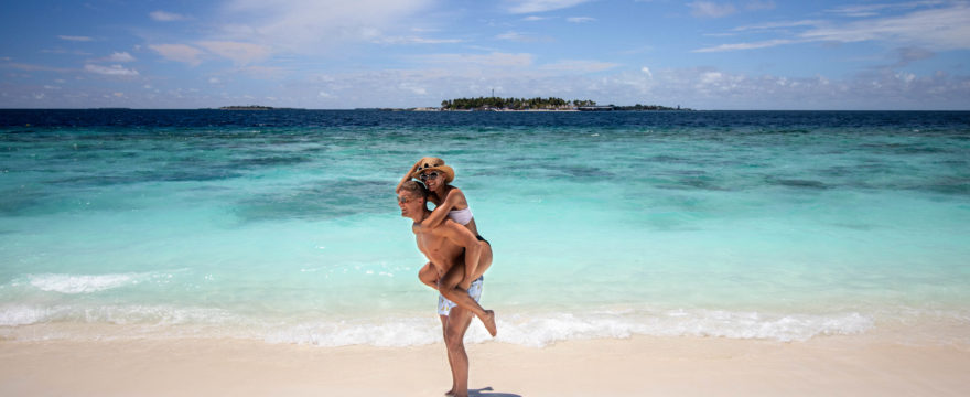 Piggy Back Reethi Beach